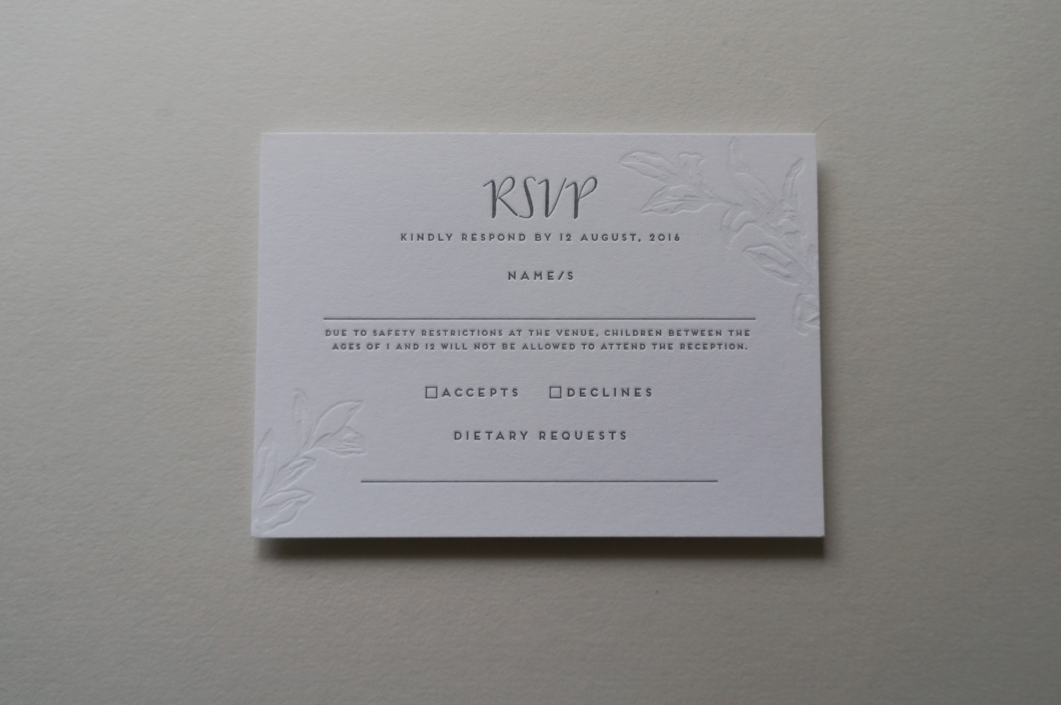 letterpress-invitations-gmund-blind-impression-floral